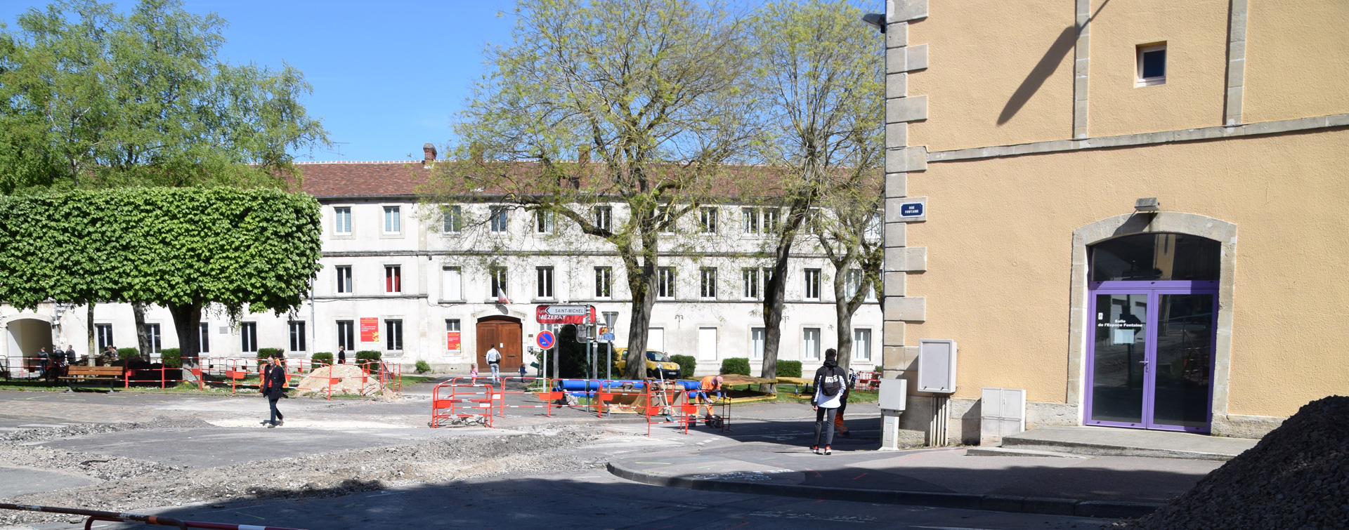 Travaux aux abord de la Mairie et du PSLA